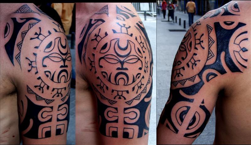 foto de tatuajes con flor. El tatuaje